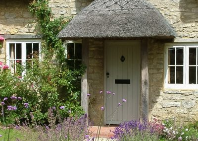 Thatched Cottage Front Garden