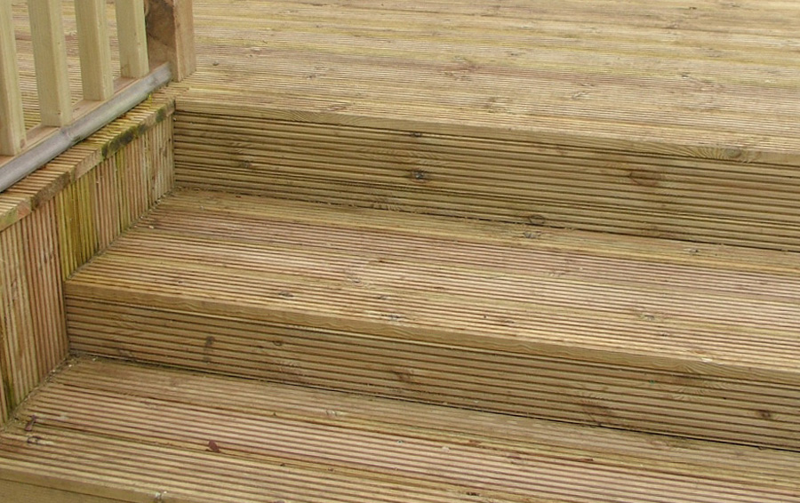 Decks go wild landscapes for Smooth hardwood decking boards